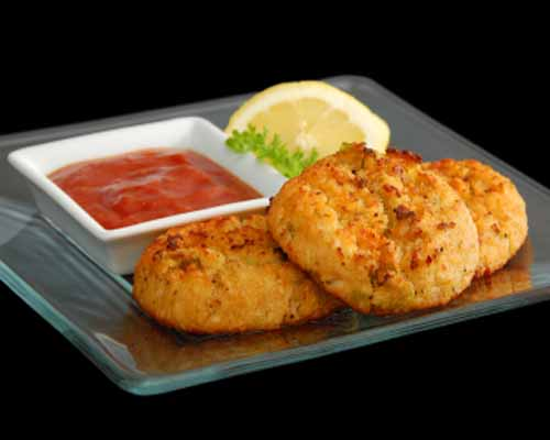 Kosher Mini Seafood Cakes (6pcs) Served with Cocktail Sauce.